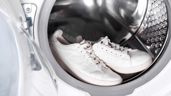 lavare le scarpe in pelle in lavatrice